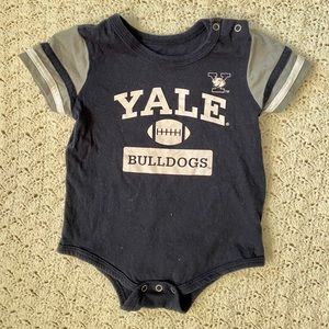 3/$10 Yale Bulldogs baby onesie- blue- 6-12M